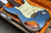 Fender Custom Shop Namm Ltd Edition 62 Stratocaster Heavy Relic Lake Placid Blue over 3 Tone Sunburst-21.jpg
