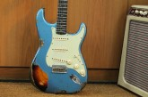 Fender Custom Shop Namm Ltd Edition 62 Stratocaster Heavy Relic Lake Placid Blue over 3 Tone Sunburst-2.jpg
