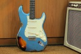 Fender Custom Shop Namm Ltd Edition 62 Stratocaster Heavy Relic Lake Placid Blue over 3 Tone Sunburst-3.jpg