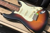 Fender Road Worn 60s Stratocaster 3 Color Sunburst-12.jpg