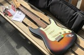 Fender Road Worn 60s Stratocaster 3 Color Sunburst-8.jpg
