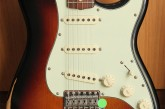 Fender Road Worn Stratocaster 3 Color Sunburst-2.jpg
