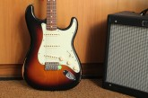 Fender Road Worn Stratocaster 3 Color Sunburst-7.jpg